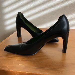 Donald Pliner Black leather heels 7.5 square toe